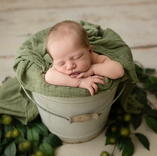 Newborn-Bucket-Pose-Green.png