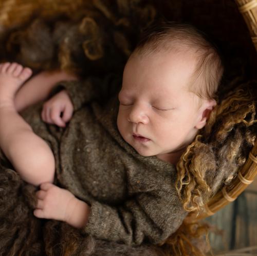 Baby-Basket-Sleeping.png