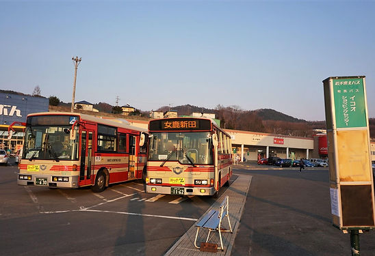 bus 4946 (2).JPG ぼかし.JPG