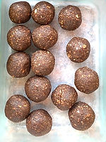 hemp choc nut nourish balls 2.jpg