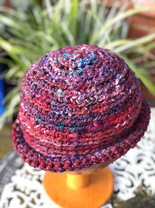 Nice Drop of Red SLOUCHY BEANIE-ROLY BOWLER