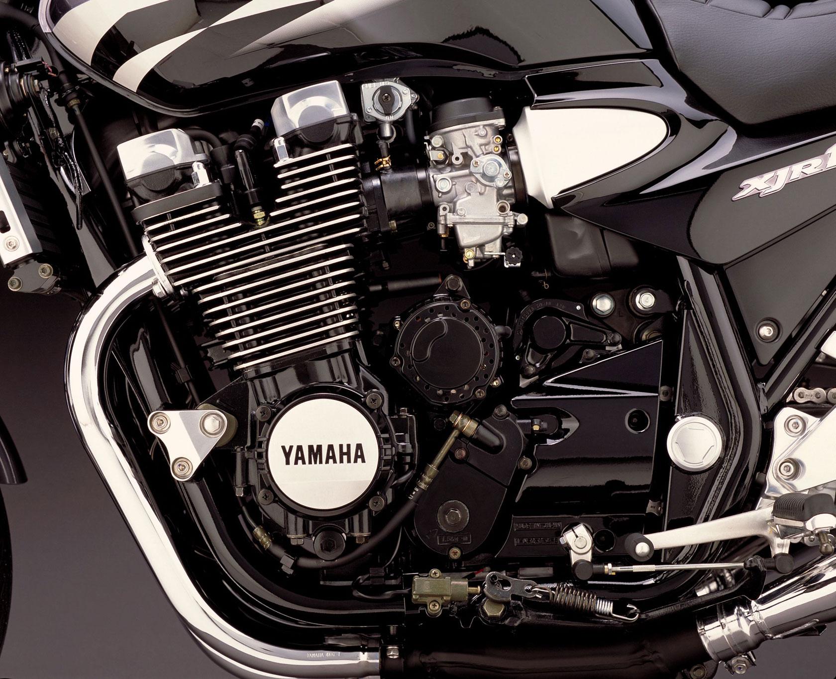 2002-Yamaha-XJR1300y