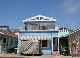 SOLD | 323 Clemente Ave