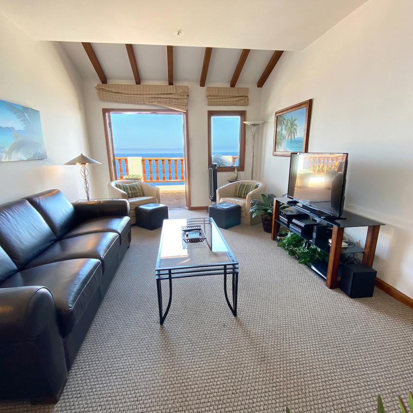 Living room, outdoor living