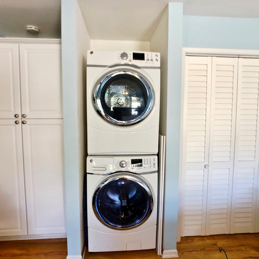 High efficiency washer/dryer