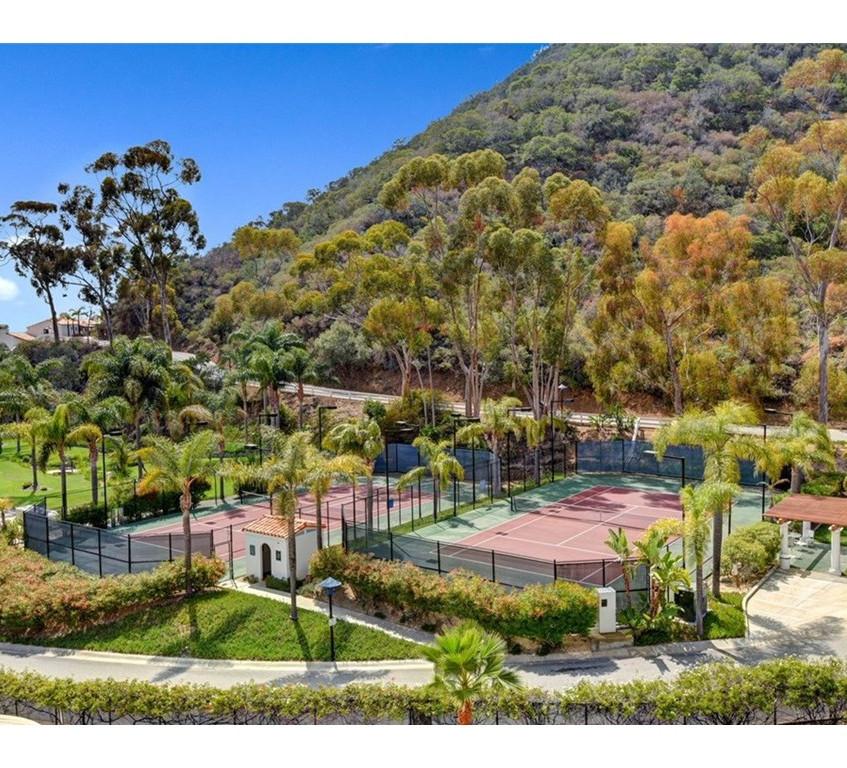 Hamilton Cove Tennis Courts