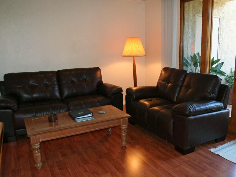 2-89 Sol Vista_living room sofas_0586