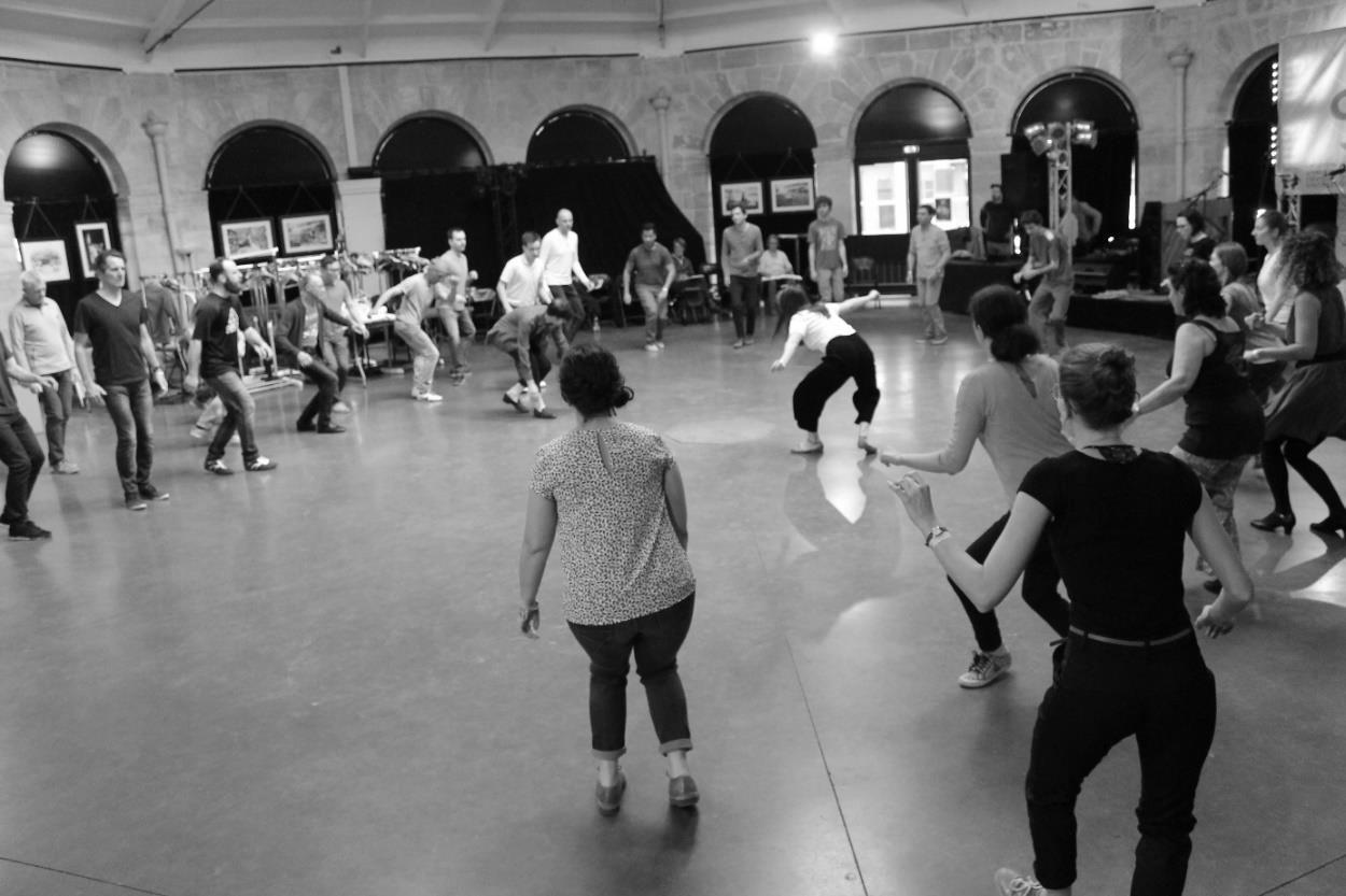 Danse Initiation 02.jpg