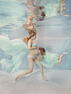 Underwater photography maternity