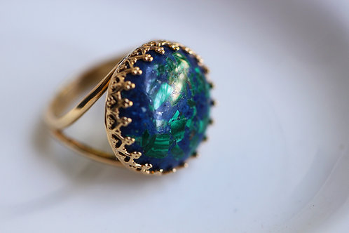 Круглое позолоченное кольцо с азуритом