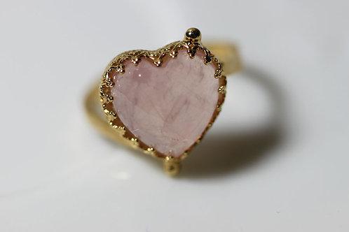 Позолоченное колечко-сердечко с розовым кварцем