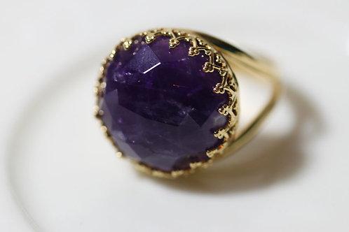 Позолоченное круглое кольцо с аметистом