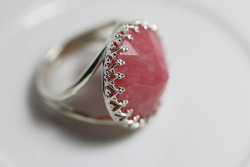 Серебряное круглое кольцо с родонитом