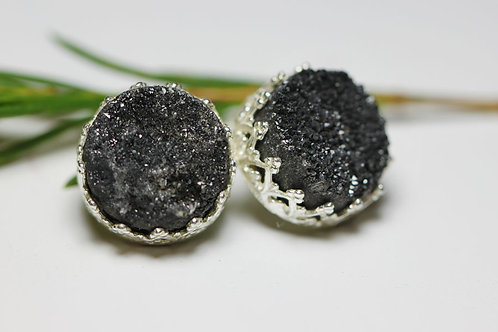 Серебряные серьги-гвоздики с черными друзами кварца