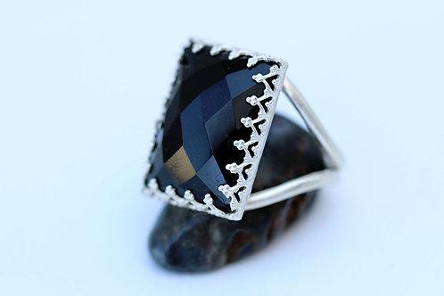 Прямоугольное серебряное кольцо с черным ониксом