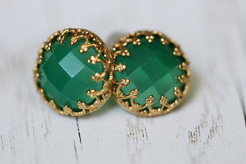 Позолоченные серьги-гвоздики с зеленым агатом