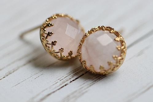 Позолоченные серьги-гвоздики с розовым кварцем