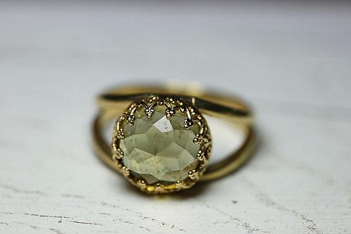 Позолоченное кольцо с дымчатым кварцем (маленькое)