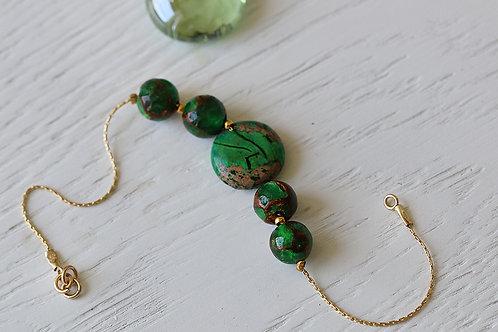 Браслет из голдфилда с зеленой яшмой