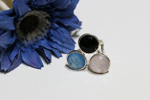 Тройное серебряное кольцо с ониксом, халцедоном и розовым кварцем