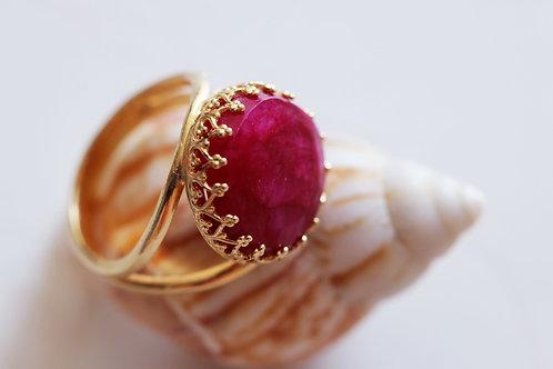 Круглое позолоченное кольцо с рубином