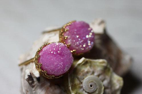 Позолоченные серьги-гвоздики с розовыми друзами кварца