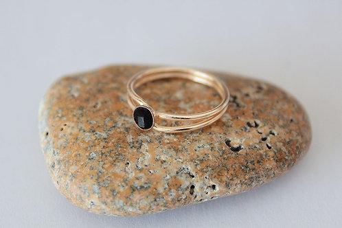 Кольцо из голдфилда с ониксом