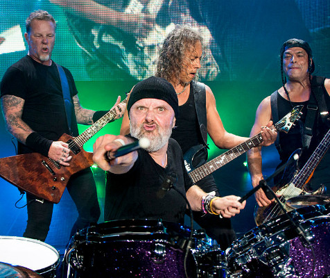 METALLICA To Film A Show For Drive-In Theaters Across America