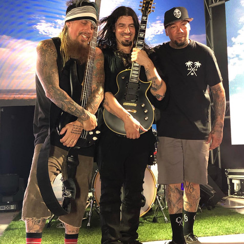 Fieldy's STILLWELL Releases 'Change The Channel' Music Video