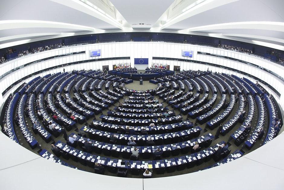 PARLAMENT EUROPEU.jpg