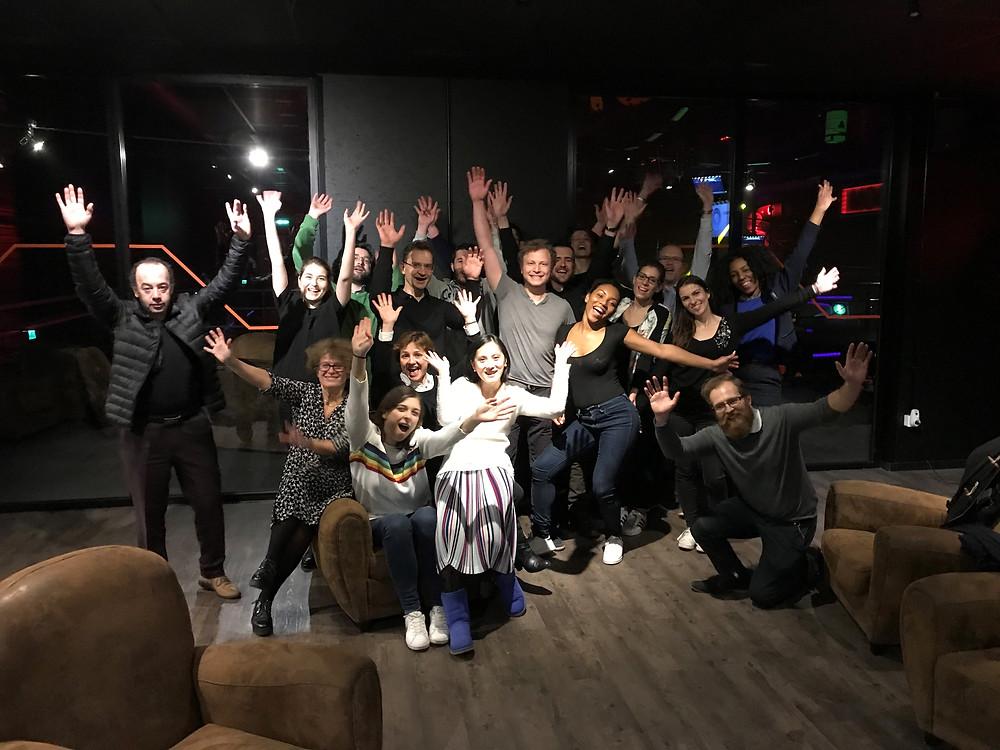 salariés de l'équipe Abalon koezio 2017, mains levées