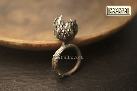 MW R1033 The 925 Silver Chrysanthemum Ring