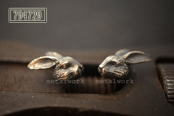 MW E1030 The 925 Silver Rabbit Head Studd Earrings