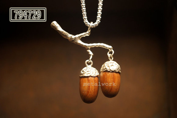 MW P1023 Double Acorn with branch Pendant