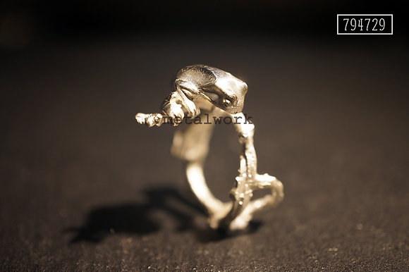 MW R1019 The 925 Silver Croaks Ring
