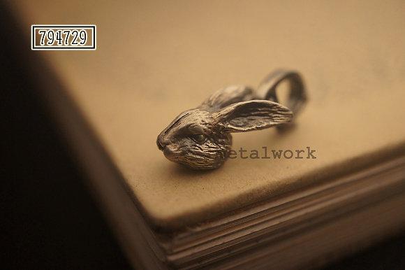 MW P1151 Mr Rabbit Charm
