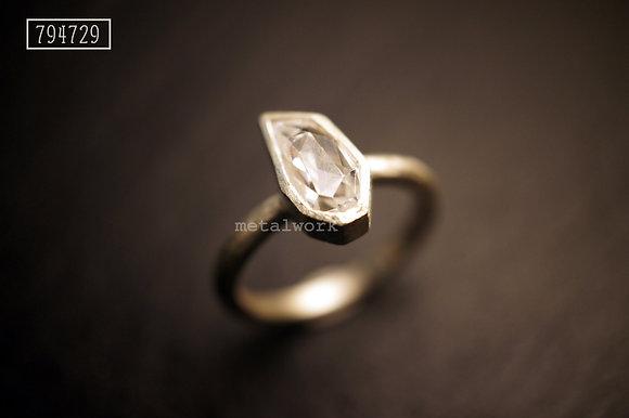 MW R1006 Irregular Crystal Ring