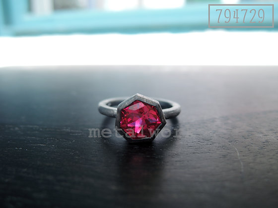 MW R1010 The Ruby Ring