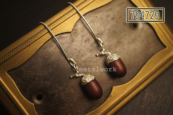 MW E1010 The Acorn Earrings (With Twig)