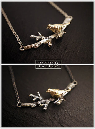 MW P1073 The 9K Gold Bird on Twig Necklace
