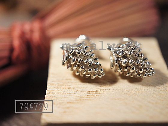 MW E1002 The Pine Cones 925 Silver Earrings