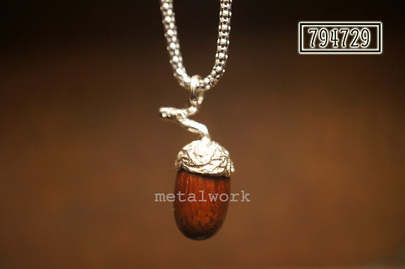 MW P1022 The Acorn with Branch Pendant