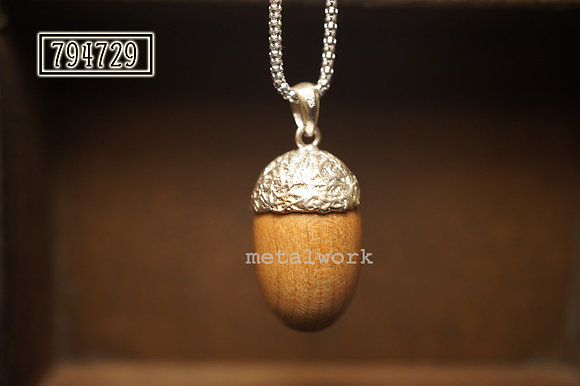 MW P1024 The Large Acorn Pendant