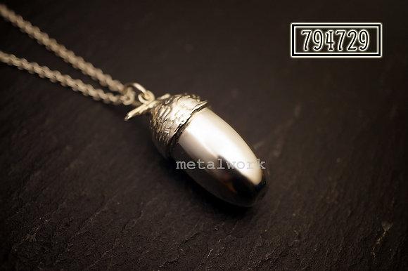 MW P1026 The 925 Silver Acorn Pendant