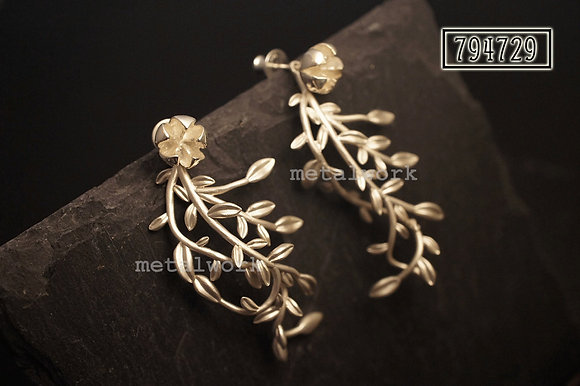 MW E1017 The 925 Silver Vine Studd Earrings