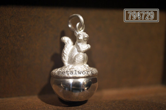 MW P1096 The 925 Silver Joyful Treasure Pendant