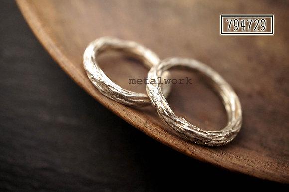 MW R1012 The Twig Ring