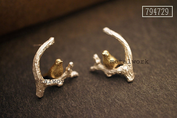 MW E1013 The 9K Gold Bird On Silver Twig Earrings