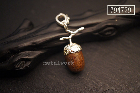 MW P1081 The 925 Silver and Wood Acorn Charm (M)