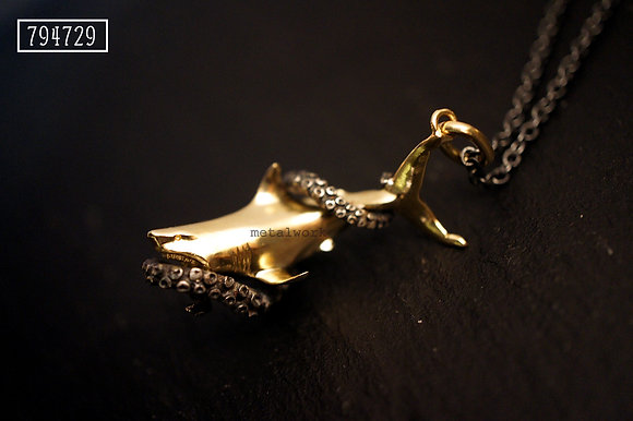 MW P1071 The Shark with Octopus Tentacle Pendant